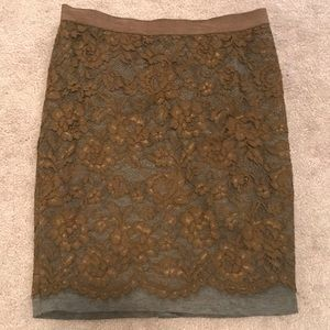 LOFT - SIZE 10 POINTE PENCIL SKIRT.